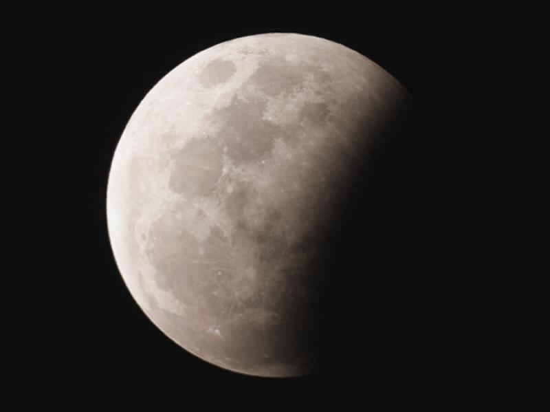 Lunar_Eclipse_-_MH